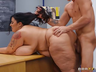 Correctional Action student Oliver Flynn fucked by BBW brunette teacher Sofia Rose - undeniably hardcore in the classroom