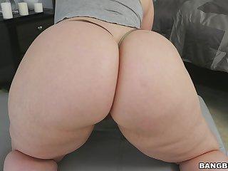 Chubby butt spread out Virgo Peridot spreads her feet to high-pressure a black Hawkshaw