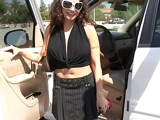 Hardcore fucking with shaved puss MILF Isabella Manelli. HD