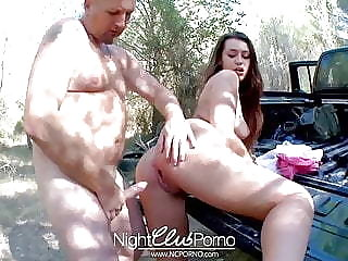 Extreme sex outdoor with a cute brunette