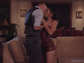 Sensual romantic girl Vanessa Sky loves kissing stud during mish intrigue b passion