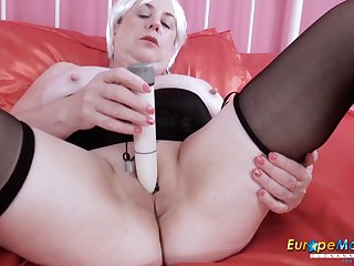 EuropeMaturE Busty British Grown up Lady Solo Play the part