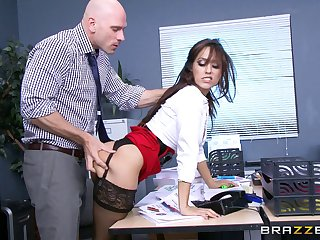 Office lady Reena Environment in stockings and miniskirt fucked by her boss