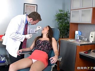 Abstruse secretary Natalie Monroe sucks a dig up increased by rides her boss