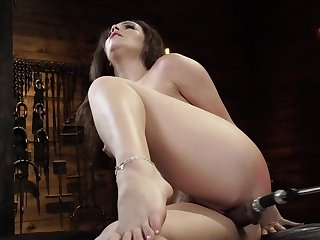 Curvy girl is moaning to the fullest fucking machine drills their way cunt