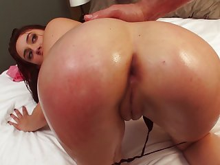 A chick is rammed anally thither the about-face cowgirl position